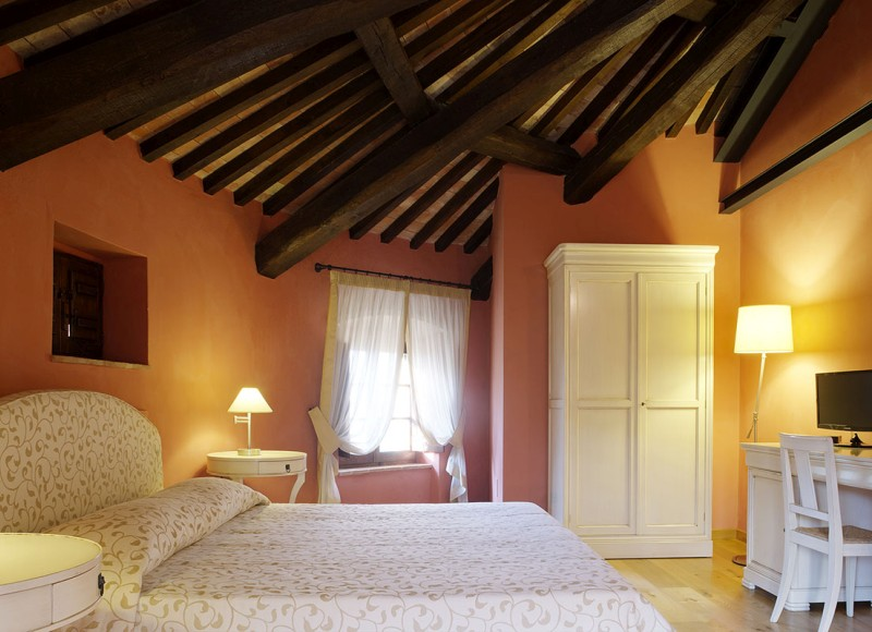 junior-suite-castello-di-baccaresca-02
